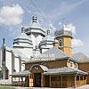 Новий (1998) і старий (1918) храми Св. Миколая