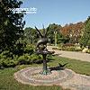 The sculpture in Topilche park