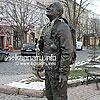 Пам'ятник щасливому сажотрусу, інша назва — «Берталон-бачі — щасливий коминар» (2010)